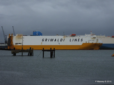 GRANDE EUROPA Passing SPLENDID ACE Southampton PDM 14-01-2015 15-55-53