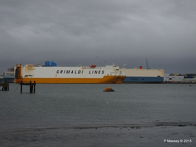 GRANDE EUROPA Passing SPLENDID ACE Southampton PDM 14-01-2015 15-56-06