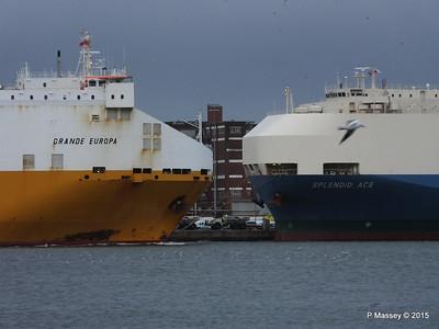 GRANDE EUROPA Passing SPLENDID ACE Southampton PDM 14-01-2015 15-55-043