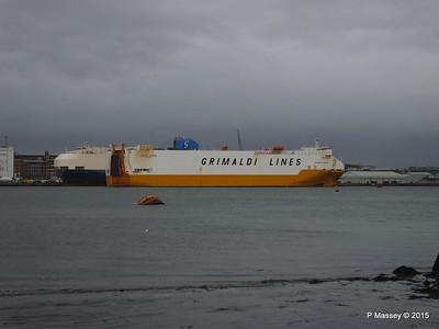 GRANDE EUROPA Passing SPLENDID ACE Southampton PDM 14-01-2015 15-56-34