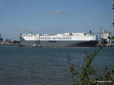 HOEGH TREASURE Departing Southampton PDM 22-07-2014 16-29-08