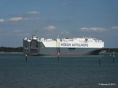 HOEGH TREASURE Departing Southampton PDM 22-07-2014 16-33-01