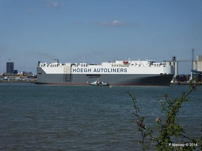 HOEGH TREASURE Departing Southampton PDM 22-07-2014 16-29-02