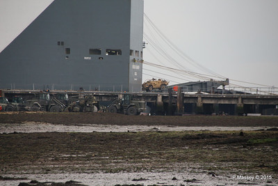 HOEGH XIAMEN Loading Army Vehicles RLC Marchwood PDM 10-10-2015 17-26-01