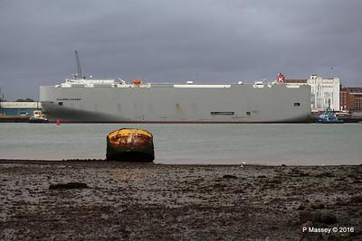 COLUMBIA HIGHWAY Moving Berths 35 - 104 Southampton PDM 20-08-2016 19-19-04