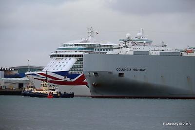 COLUMBIA HIGHWAY Passing BRITANNIA Southampton PDM 20-08-2016 19-01-08