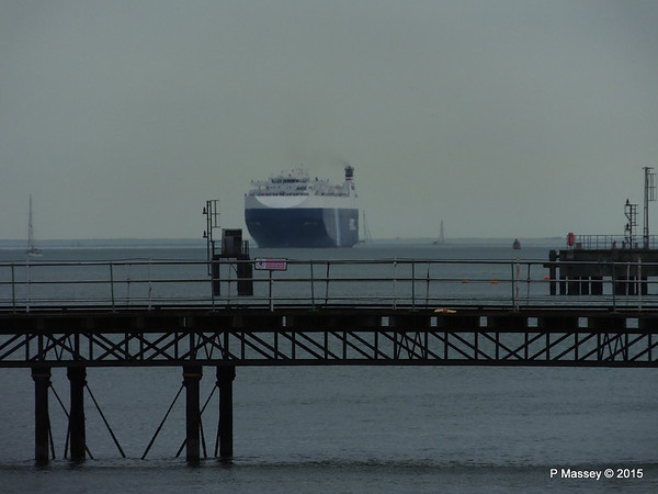GOLIATH LEADER over Hythe Pier PDM 25-02-2015 15-12-02