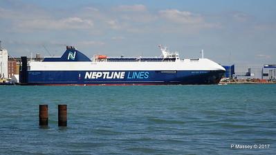 NEPTUNE DYNAMIS Departing Southampton PDM 25-05-2017 12-17-41