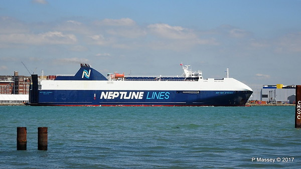 2017-05-25 NEPTUNE DYNAMIS Departing Southampton
