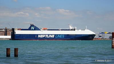 NEPTUNE DYNAMIS Departing Southampton PDM 25-05-2017 12-17-48