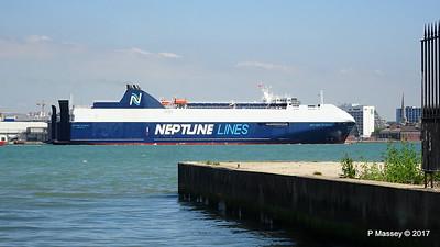 NEPTUNE DYNAMIS Departing Southampton PDM 25-05-2017 12-19-08