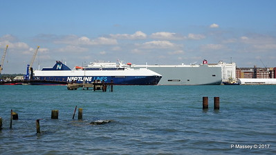 NEPTUNE DYNAMIS Passing EURASIAN HIGHWAY Southampton PDM 25-05-2017 12-16-25