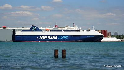 NEPTUNE DYNAMIS Departing Southampton PDM 25-05-2017 12-17-05