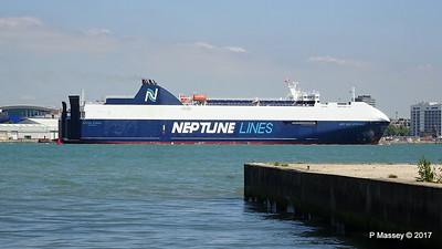NEPTUNE DYNAMIS Departing Southampton PDM 25-05-2017 12-19-00