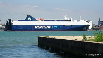 NEPTUNE DYNAMIS Departing Southampton PDM 25-05-2017 12-19-10c