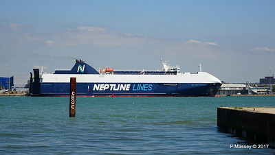 NEPTUNE DYNAMIS Departing Southampton PDM 25-05-2017 12-18-38