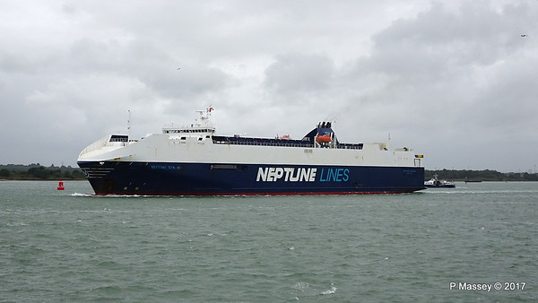 2017-07-28 NEPTUNE DYNAMIS Departing Southampton
