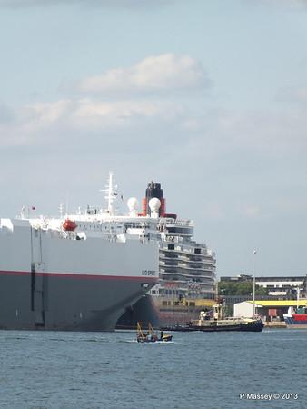 LEO SPIRIT Departs Southampton PDM 10-08-2013 17-34-23
