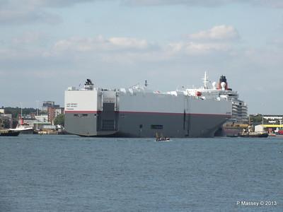 LEO SPIRIT Departs Southampton PDM 10-08-2013 17-34-12