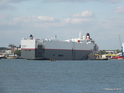 LEO SPIRIT Departs Southampton PDM 10-08-2013 17-34-08