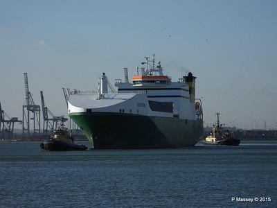 EDDYSTONE moving berths Southampton PDM 06-02-2015 14-50-013