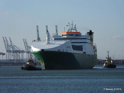 EDDYSTONE moving berths Southampton PDM 06-02-2015 14-49-050