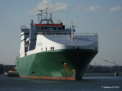 EDDYSTONE moving berths Southampton PDM 06-02-2015 14-53-04