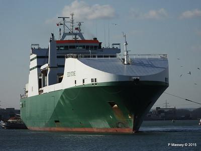 EDDYSTONE moving berths Southampton PDM 06-02-2015 14-53-10