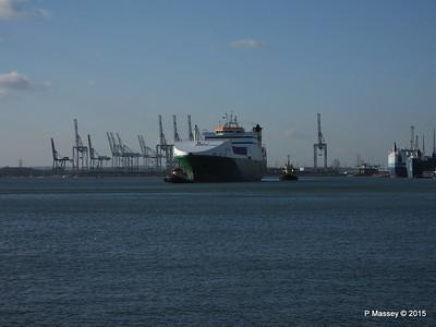 EDDYSTONE moving berths Southampton PDM 06-02-2015 14-49-035