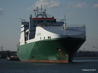 EDDYSTONE moving berths Southampton PDM 06-02-2015 14-53-07