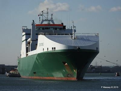 EDDYSTONE moving berths Southampton PDM 06-02-2015 14-53-005