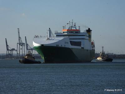 EDDYSTONE moving berths Southampton PDM 06-02-2015 14-50-018