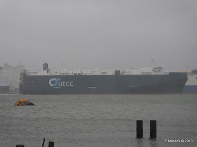 Misty AEGEAN BREEZE Departing Southampton PDM 21-12-2013 15-17-19