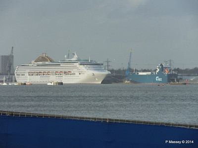 OCEANA AUTOPROGRESS Southampton from Hythe PDM 02-01-2014 14-06-12