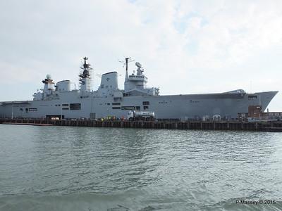 R06 HMS ILLUSTRIOUS Portsmouth PDM 25-03-2015 15-55-43