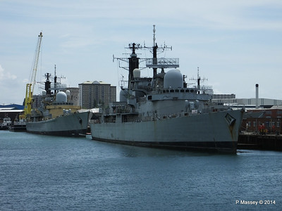 D92 HMS LIVERPOOL D95 HMS MANCHESTER for scrap Portsmouth PDM 30-06-2014 12-22-09