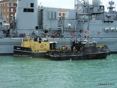 Army Workboats WB44 SIROCCO WB43 MISTRAL 1514F Fuel Lighter Portsmouth PDM 30-06-2014 12-12-50