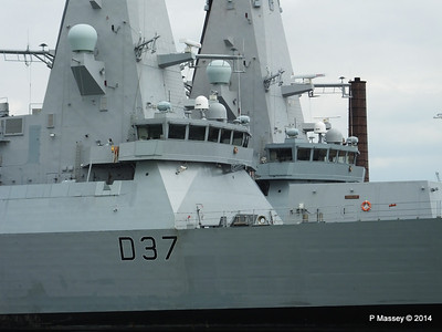D35 HMS DRAGON D37 HMS DUNCAN Destroyers Portsmouth PDM 31-05-2014 14-48-03