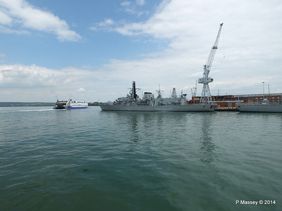 NORMANDIE EXPRESS F237 HMS WESTMINSTER Portsmouth PDM 31-05-2014 14-50-15