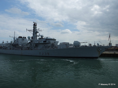 F239 HMS RICHMOND Portsmouth PDM 31-05-2014 15-02-02