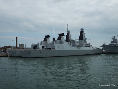 D35 HMS DRAGON D37 HMS DUNCAN Destroyers Portsmouth PDM 31-05-2014 14-49-56