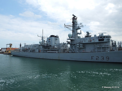 F239 HMS RICHMOND Portsmouth PDM 31-05-2014 15-02-11