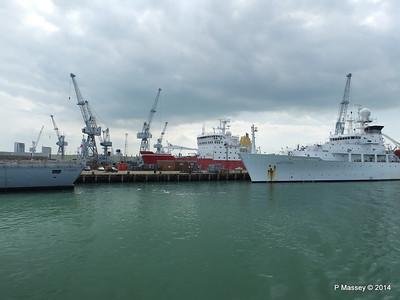 BRUCE C HEEZEN HMS ENDURANCE Portsmouth PDM 31-05-2014 15-01-05