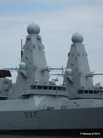 D35 HMS DRAGON D37 HMS DUNCAN Destroyers Portsmouth PDM 31-05-2014 14-47-43