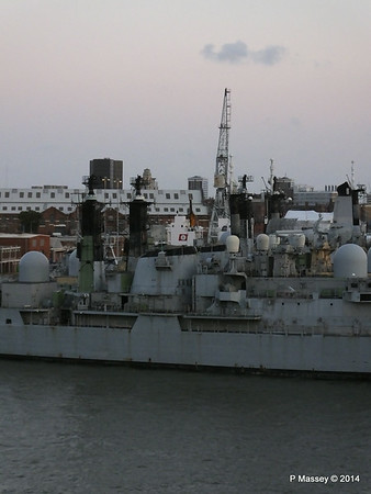 4 Decomissioned type 42 Destroyers Portsmouth PDM 10-08-2014 20-37-37