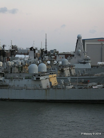4 Decomissioned type 42 Destroyers Portsmouth PDM 10-08-2014 20-37-34
