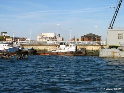 Tug CHIEF Southampton PDM 10-10-2008 15-41-27