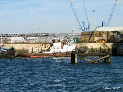 Tug CHIEF Southampton PDM 10-10-2008 15-41-41