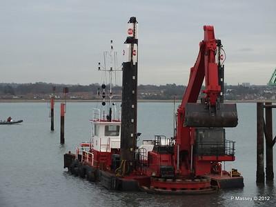 WITTON TWO Dredger Hythe Southampton PDM 06-01-2012 15-10-33