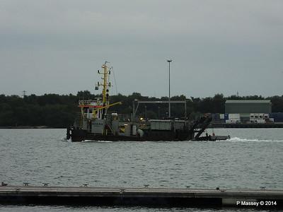 NORMA Dredger Southampton PDM 05-08-2014 19-44-13